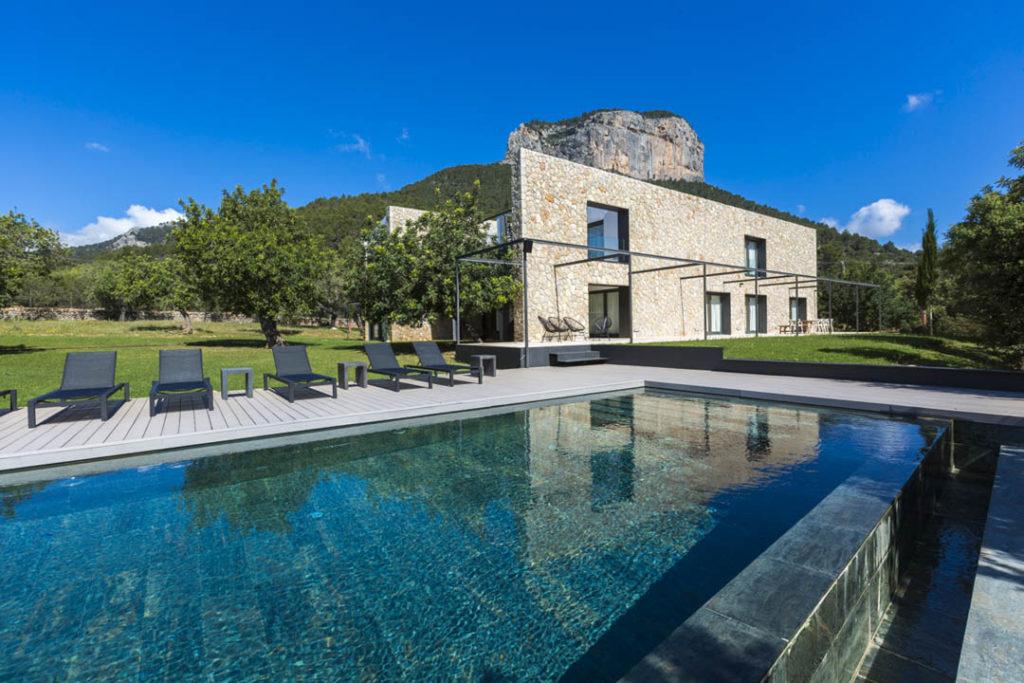 Luxury modern villa in Alaro